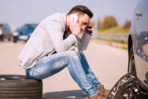 6 Car Problems That Strand Drivers on Holiday Roads
